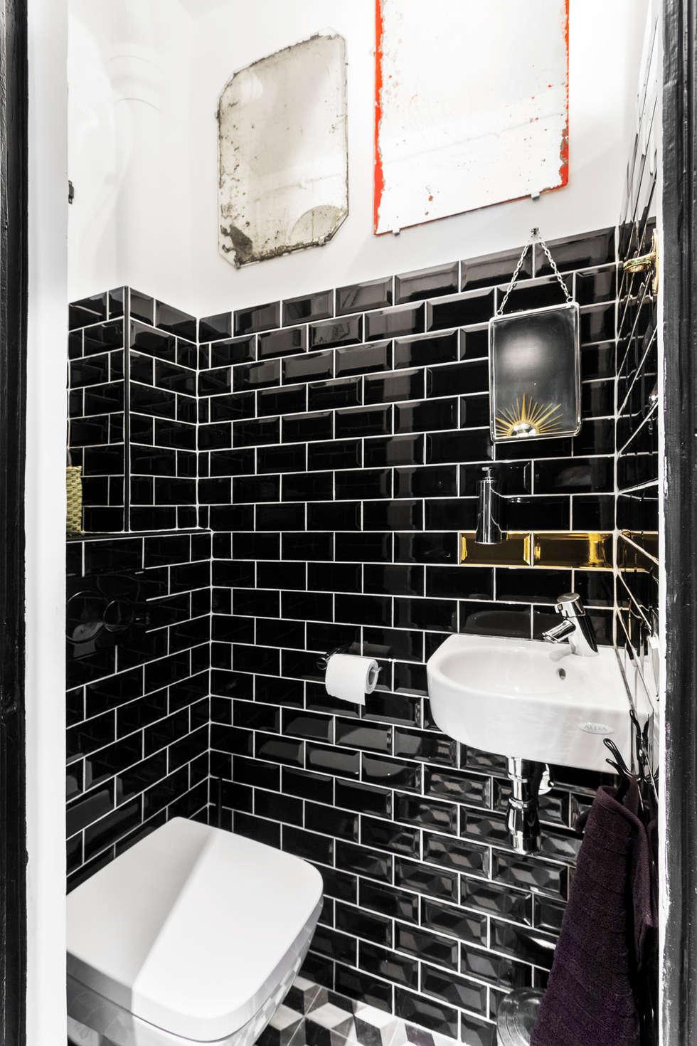 Pièce à vivre : toilettes  - Appartement industriel chic & moderne 55m2 - 75010 Paris: Salle de bains de style  par Espaces à Rêver