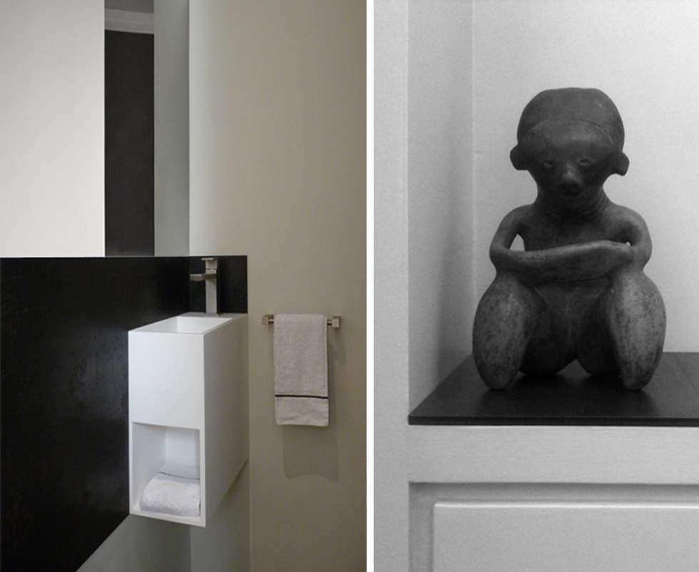 PARIS  GEORGES VILLE: Salle de bains de style  par KTL Interiors  by Kareen Trager-Lewis