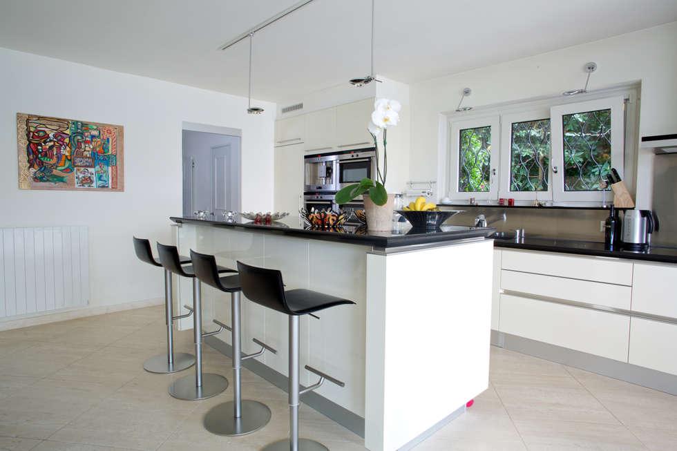 Cozinhas modernas por DF Design