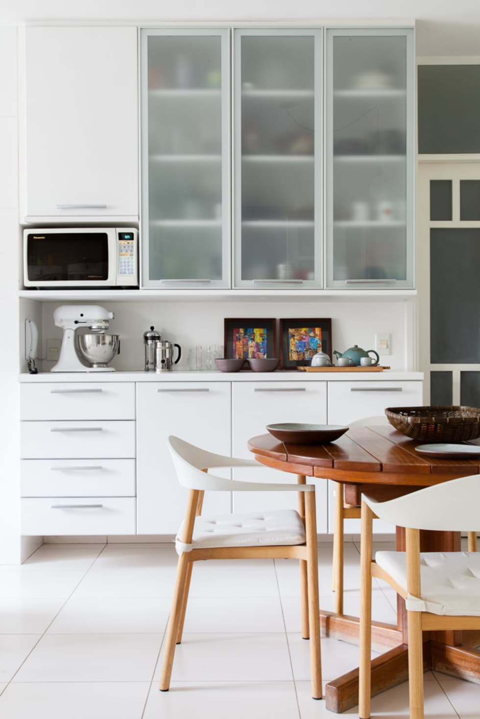 mmagalhães estúdio_Apartamento Parque: Cozinhas modernas por mmagalhães estúdio