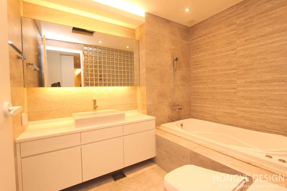 욕실: 홍예디자인의  화장실