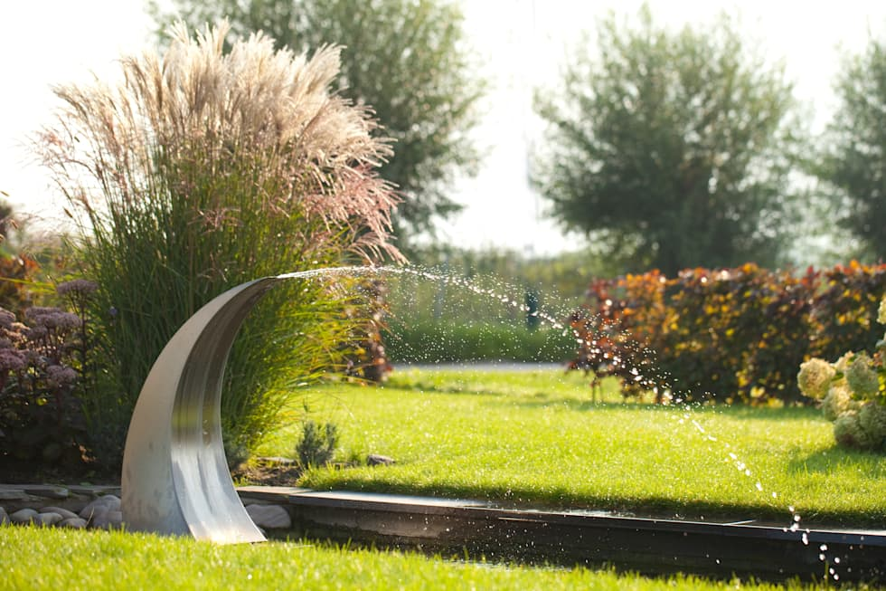 Landelijke voortuin: landelijke Tuin door Mocking Hoveniers