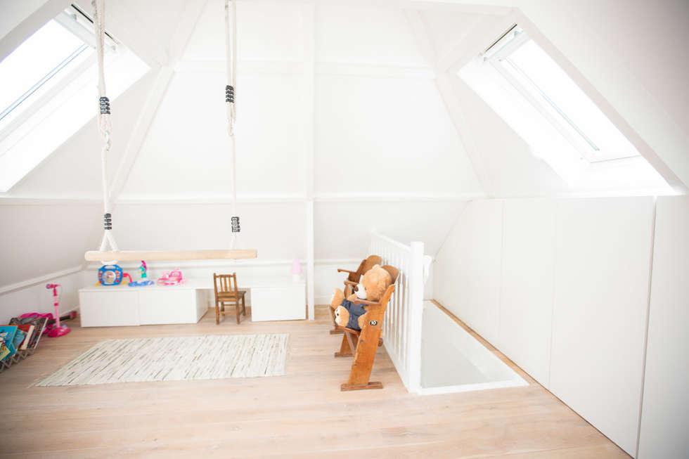 Woonhuis Laren: moderne Kinderkamer door ontwerpplek, interieurarchitectuur