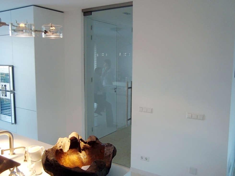 Glazen Keukendeur: moderne Keuken door Buys Glas