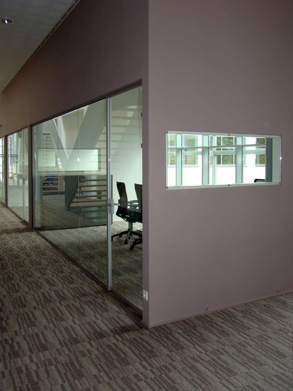 Overzichtelijke kantoorindeling:  Kantoorgebouwen door Buys Glas