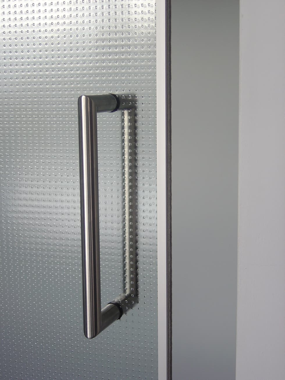 Rvs deurgreep:  Ramen door Buys Glas