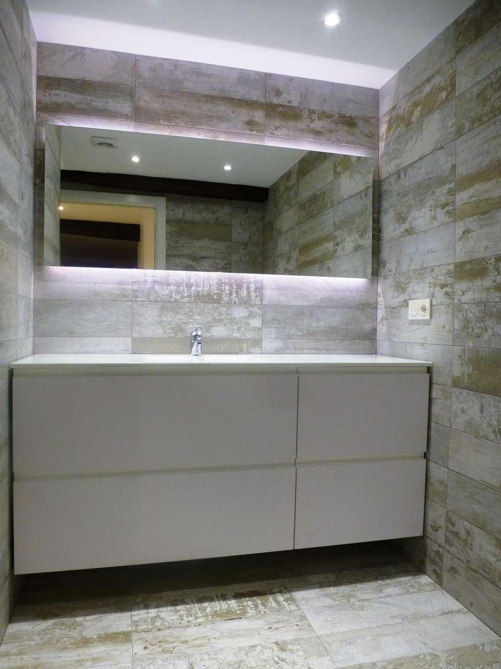 Fotos de decoraci n y dise o de interiores homify - Espejo bano retroiluminado ...