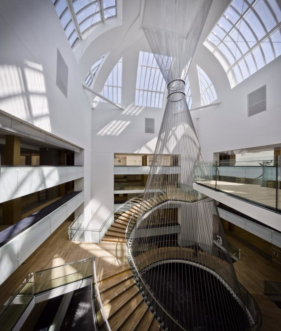 Escalier Monumental de la BNU de Strasbourg: Lieux d'événements de style  par METALLERIE SCHAFFNER