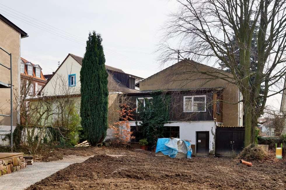 Gartenhaus vor dem Umbau:   von tillschweizer.co