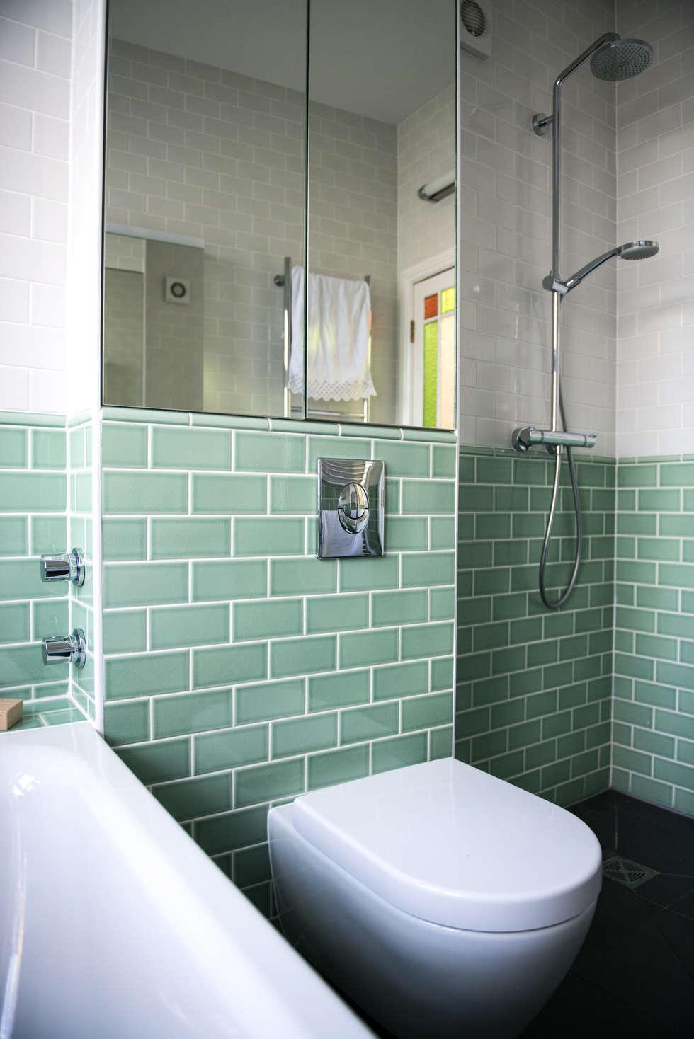 Interior design ideas redecorating remodeling photos for Duck egg blue bathroom ideas