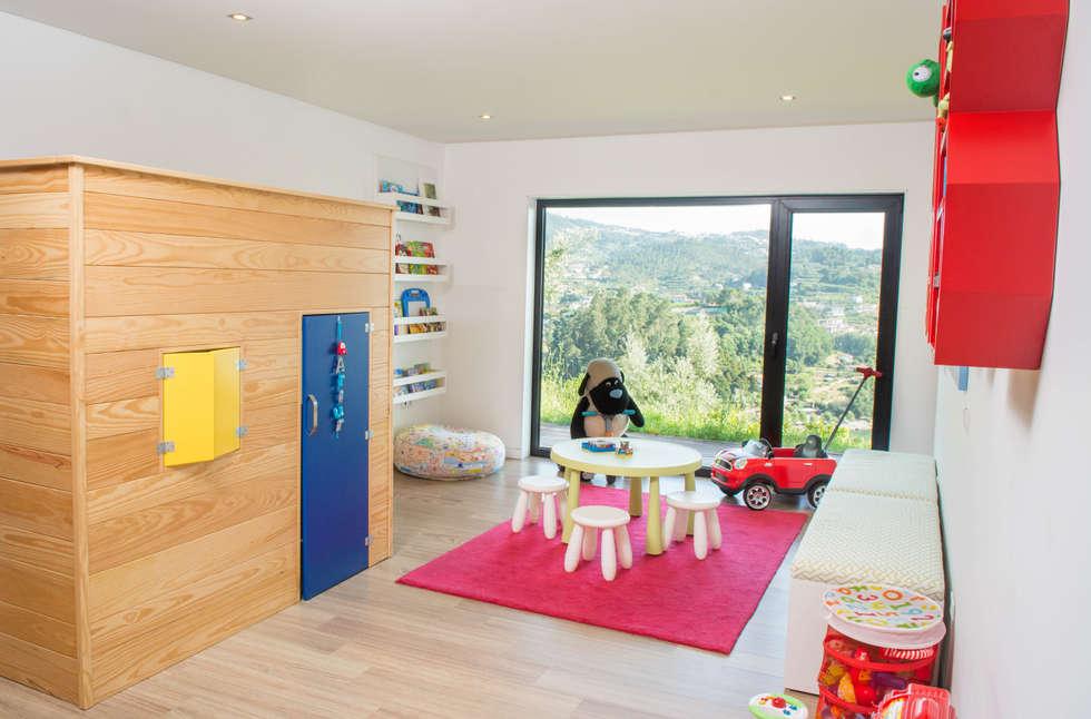Quarto de Brincar : Quartos de criança escandinavos por Ângela Pinheiro Home Design