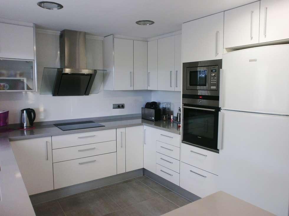 Fotos de decoraci n y dise o de interiores homify - Tiradores cocina modernos ...