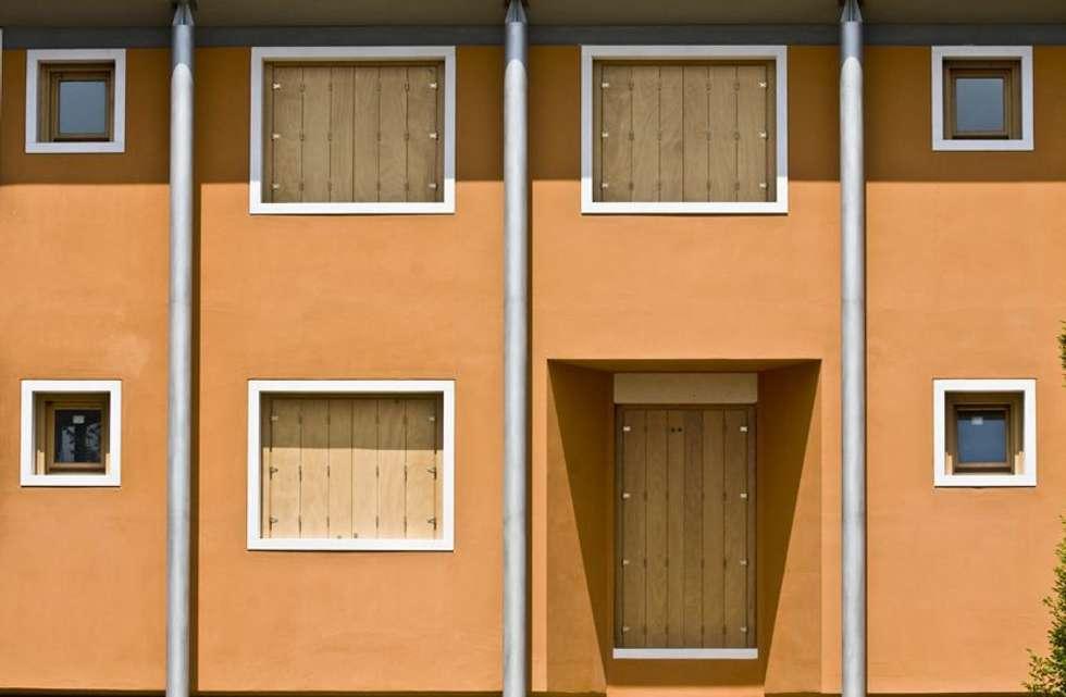 Complesso EX TEAZER a Piazzola sul Brenta (PD): Case in stile in stile Moderno di Marco Zorzanello