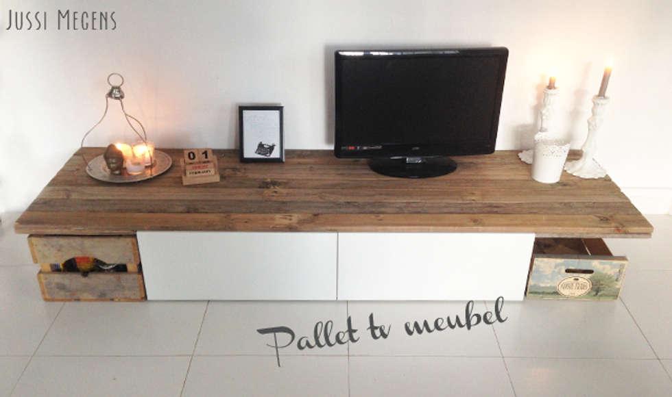 Tv meubel van pallets: scandinavische woonkamer door jussi megens ...