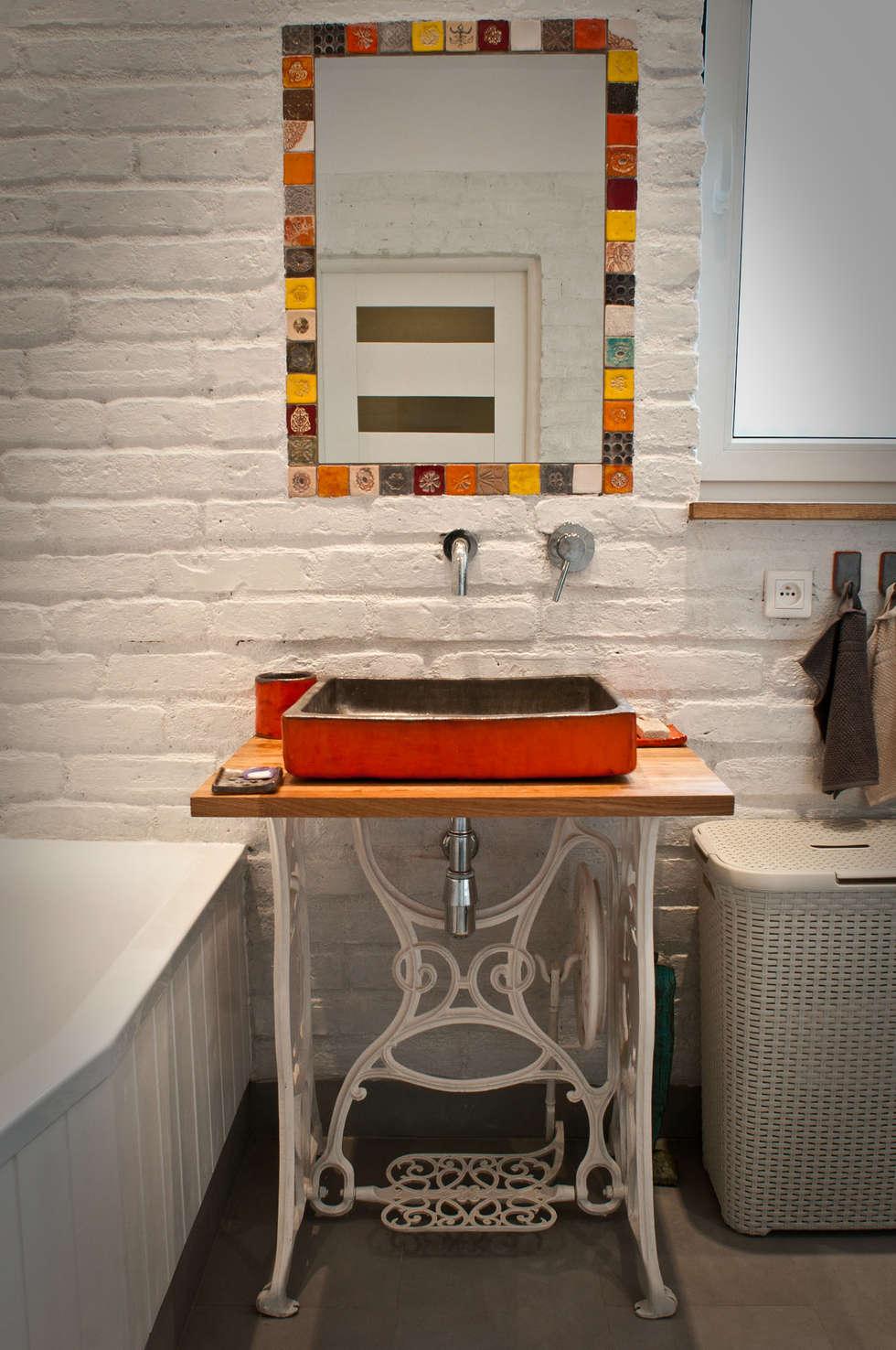 umywalka: styl , w kategorii Łazienka zaprojektowany przez dekornia