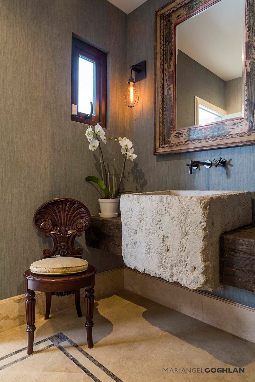 modern Bathroom by MARIANGEL COGHLAN