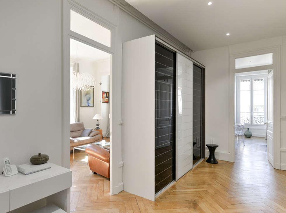 Photos de couloir, entrée & escaliers de style de style moderne ...