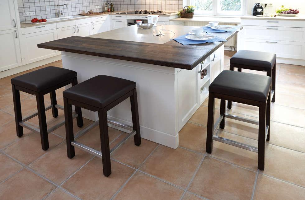 Küchen mit insellösung  Insellösung mit massiv-holzplatte: landhausstil küche von küchen ...