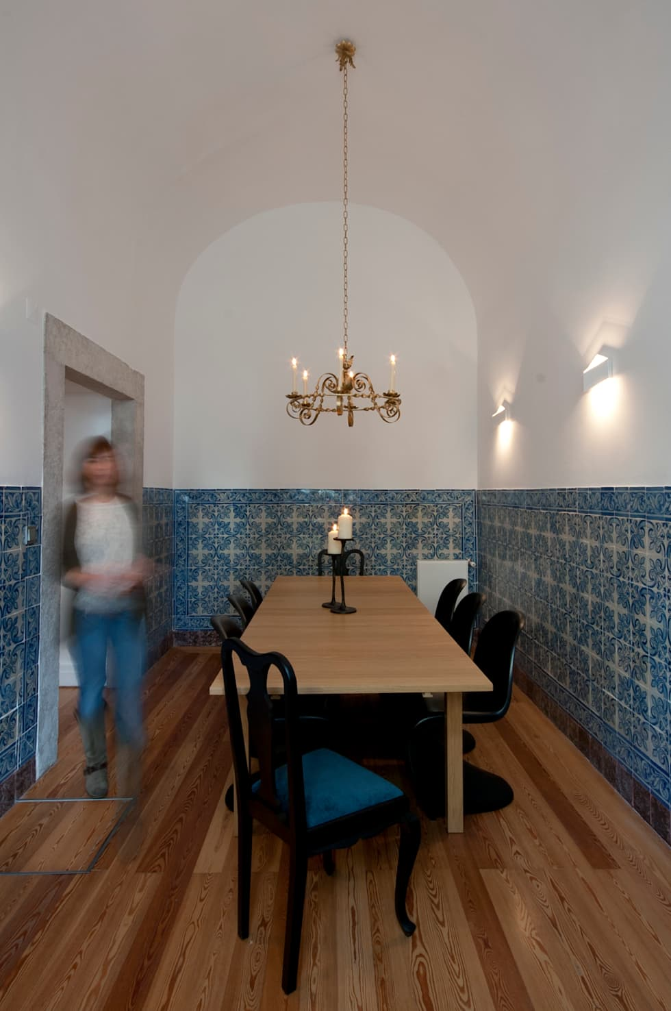 Sala de Jantar: Salas de estar clássicas por Home Staging Factory