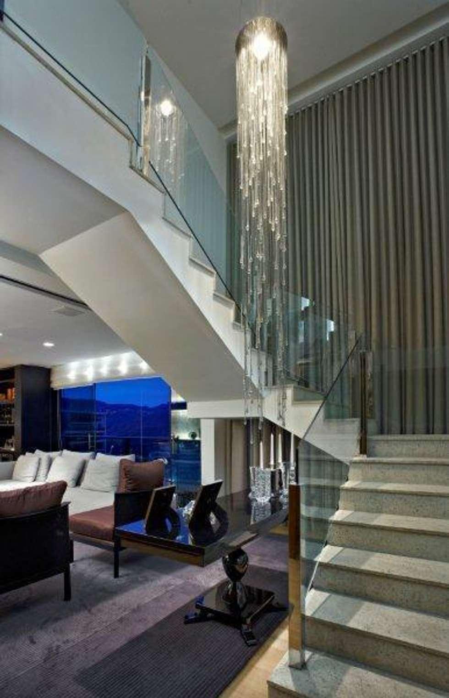 Top House VH: Corredores e halls de entrada  por Cristina Menezes Arquitetura