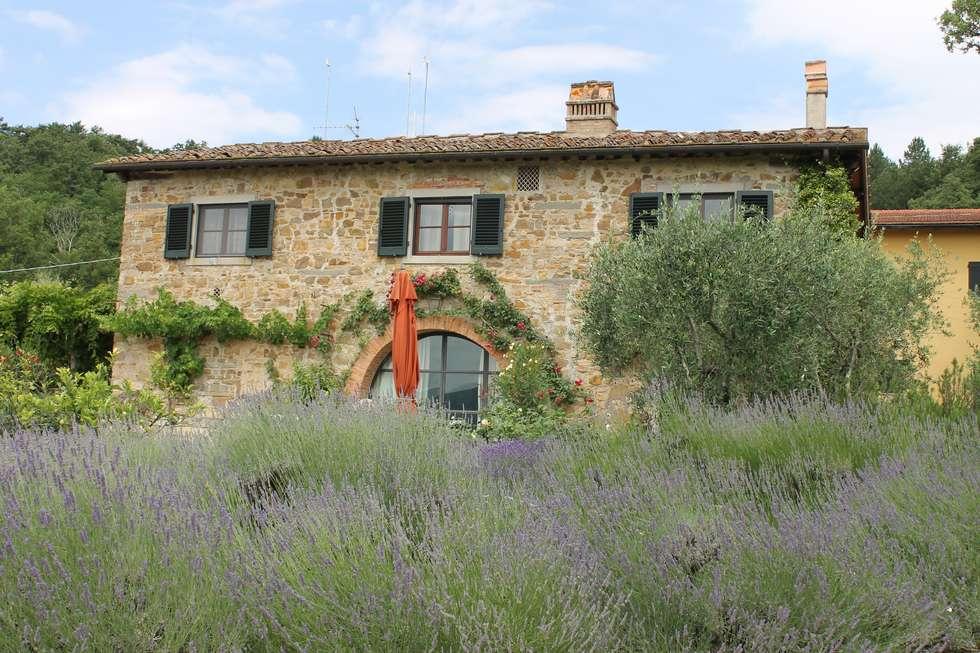 Casa Limoni: Case in stile In stile Country di architetto CLAUDIA DEI -Studio Tecnico Progettisti Associati