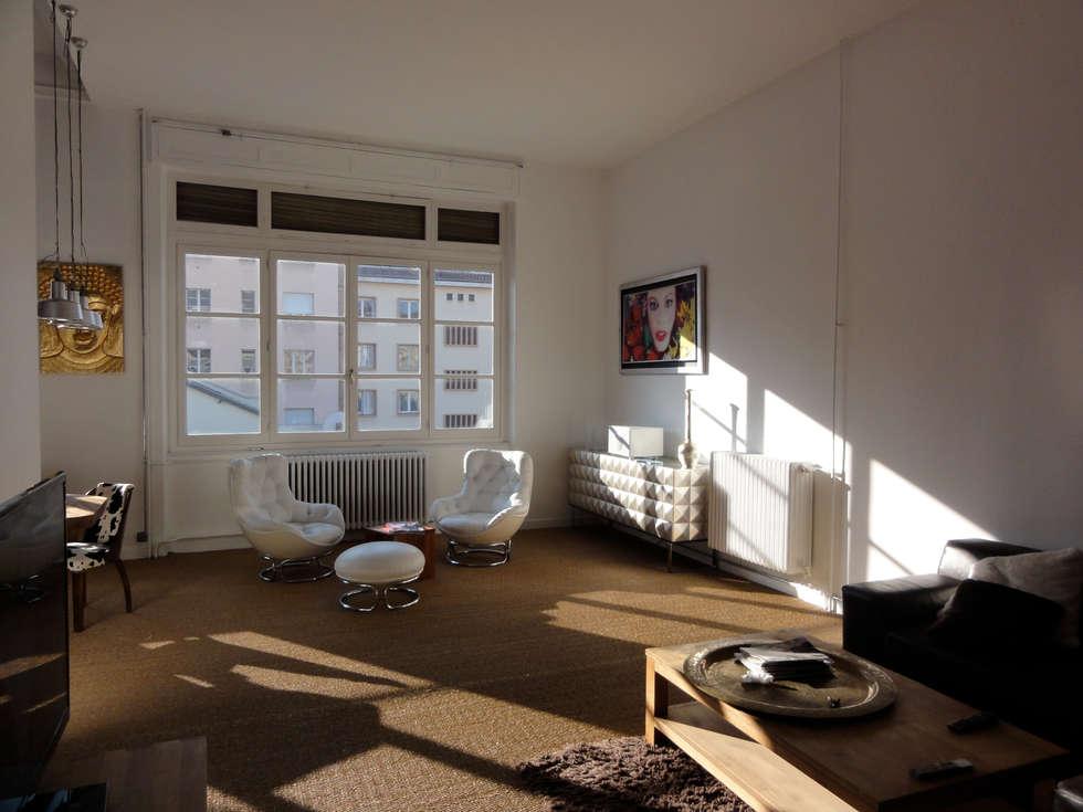 Le salon: Salon de style de style Moderne par CAP-D