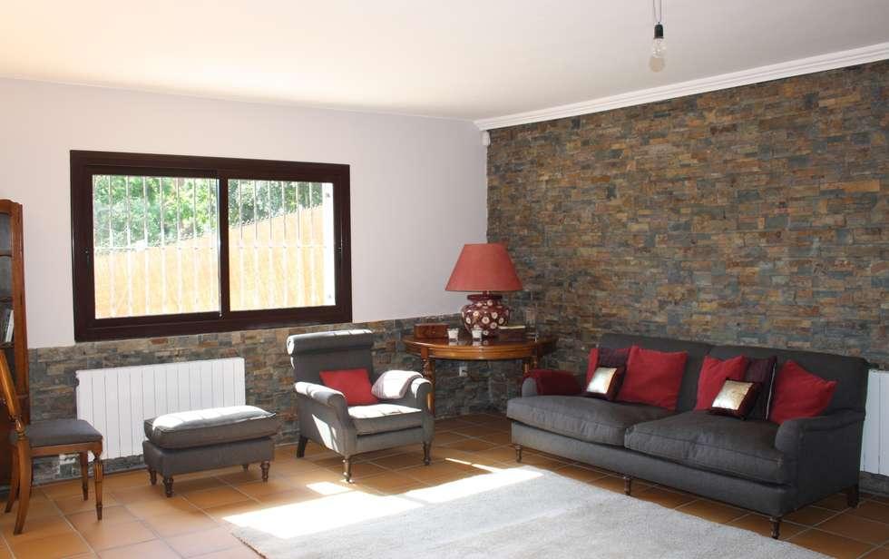 Fotos de salones de estilo r stico reforma parcial casa - Salones de casas rusticas ...