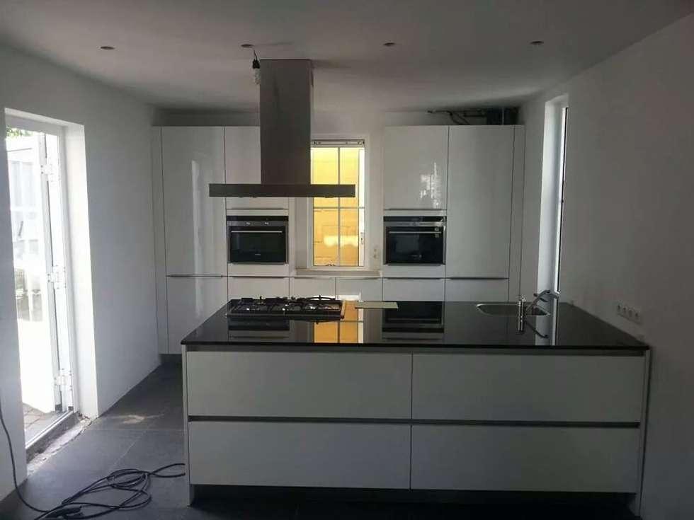 Keuken modern wit keuken witte eiland modern inrichting keuken - Fotos van keukens ...