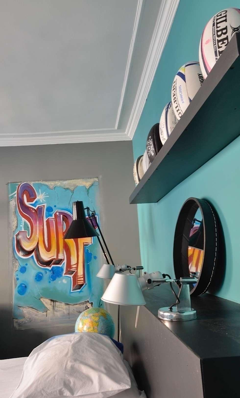 Rangement de ballons : Chambre d'enfant de style de style eclectique par cecile kokocinski