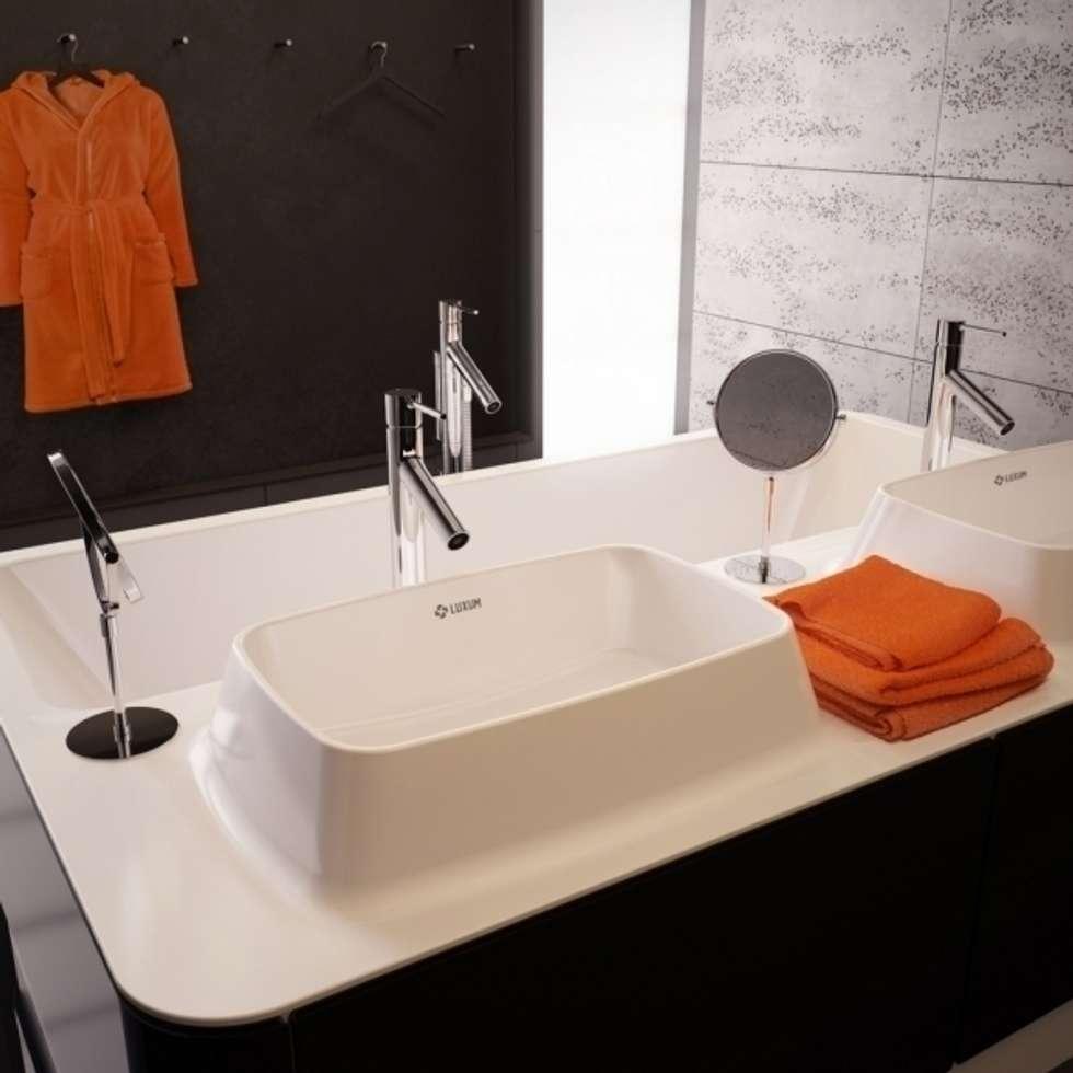 Łazienka w stylu minimalistycznym od LUXUM: styl , w kategorii Łazienka zaprojektowany przez Luxum