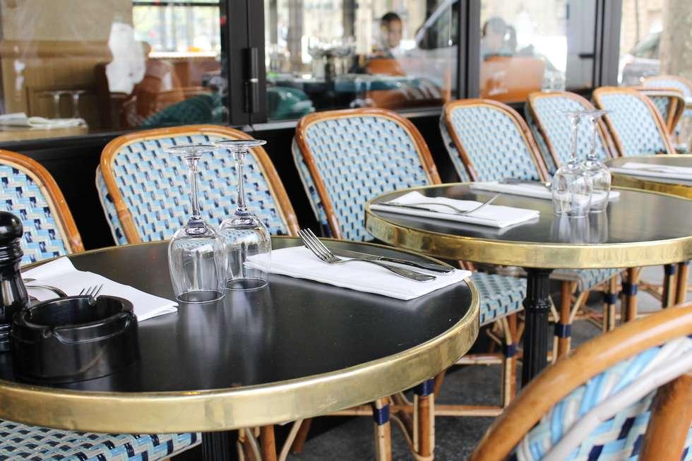 Café Gabrielle: Restaurants de style  par STUDIO EMMA ROUX