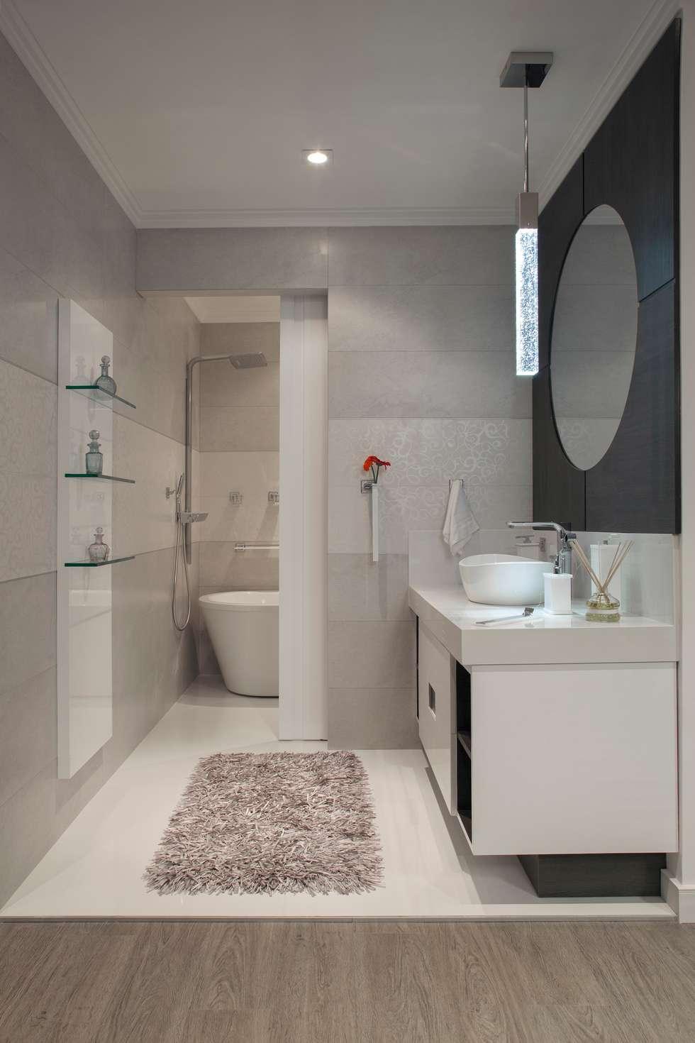 Banheiro do Loft: Banheiros modernos por  Adriana Fiali e Rose Corsini - FICODesign