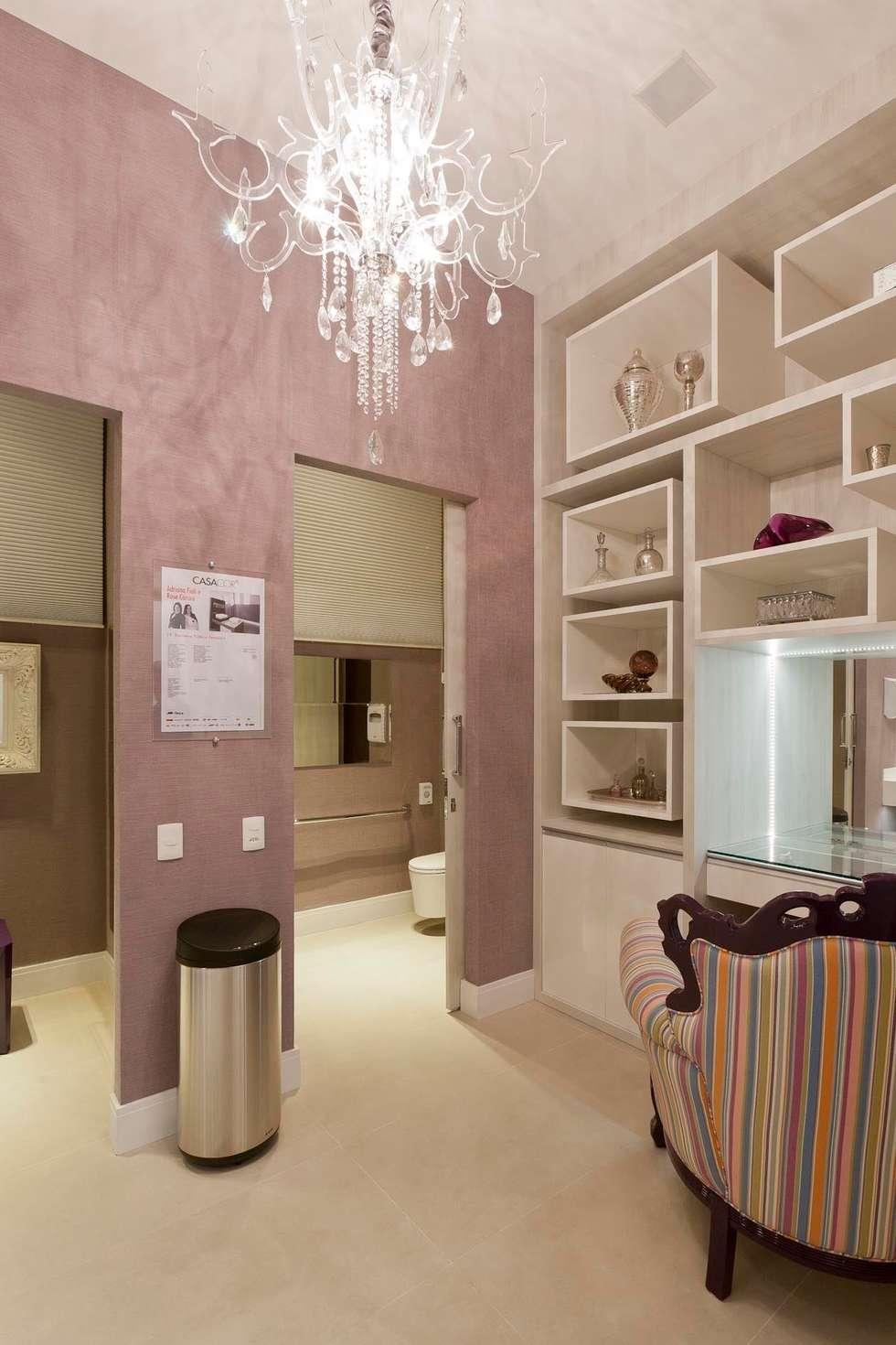 Banheiro Público Casa Cor São Paulo: Banheiros modernos por  Adriana Fiali e Rose Corsini - FICODesign
