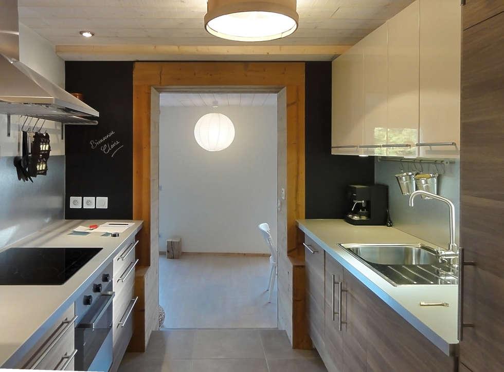 Optimisation du couloir: Cuisine de style de style Moderne par CosyNEVE (Amandine REVEL)