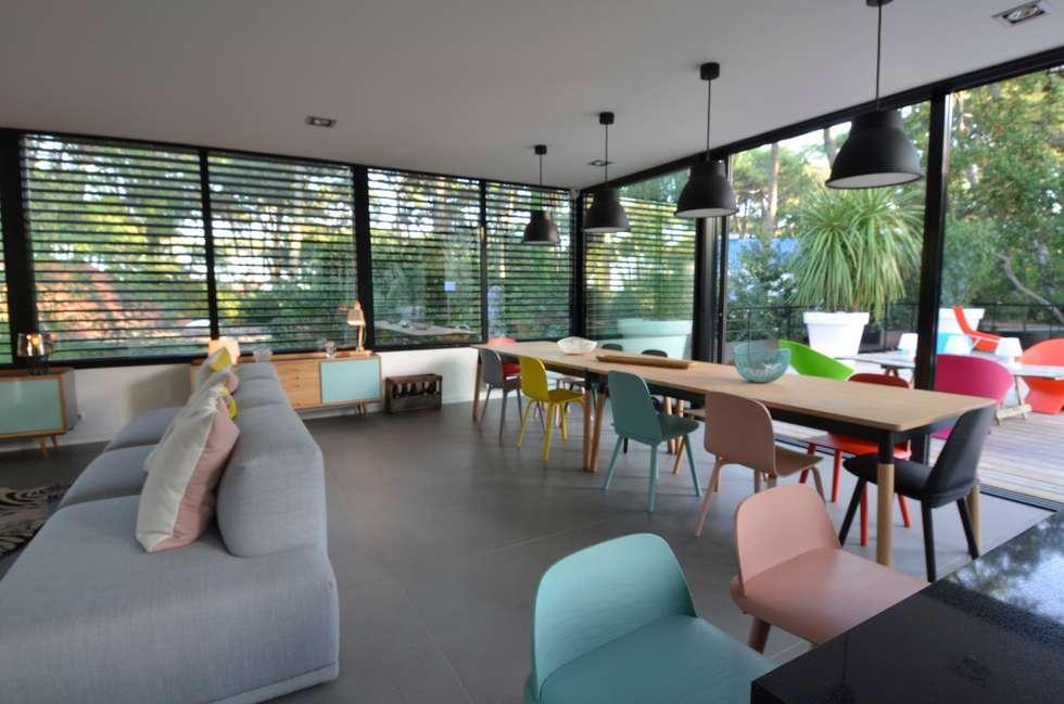 Salon épuré design scandinave: Salle à manger de style de style Scandinave par cecile kokocinski