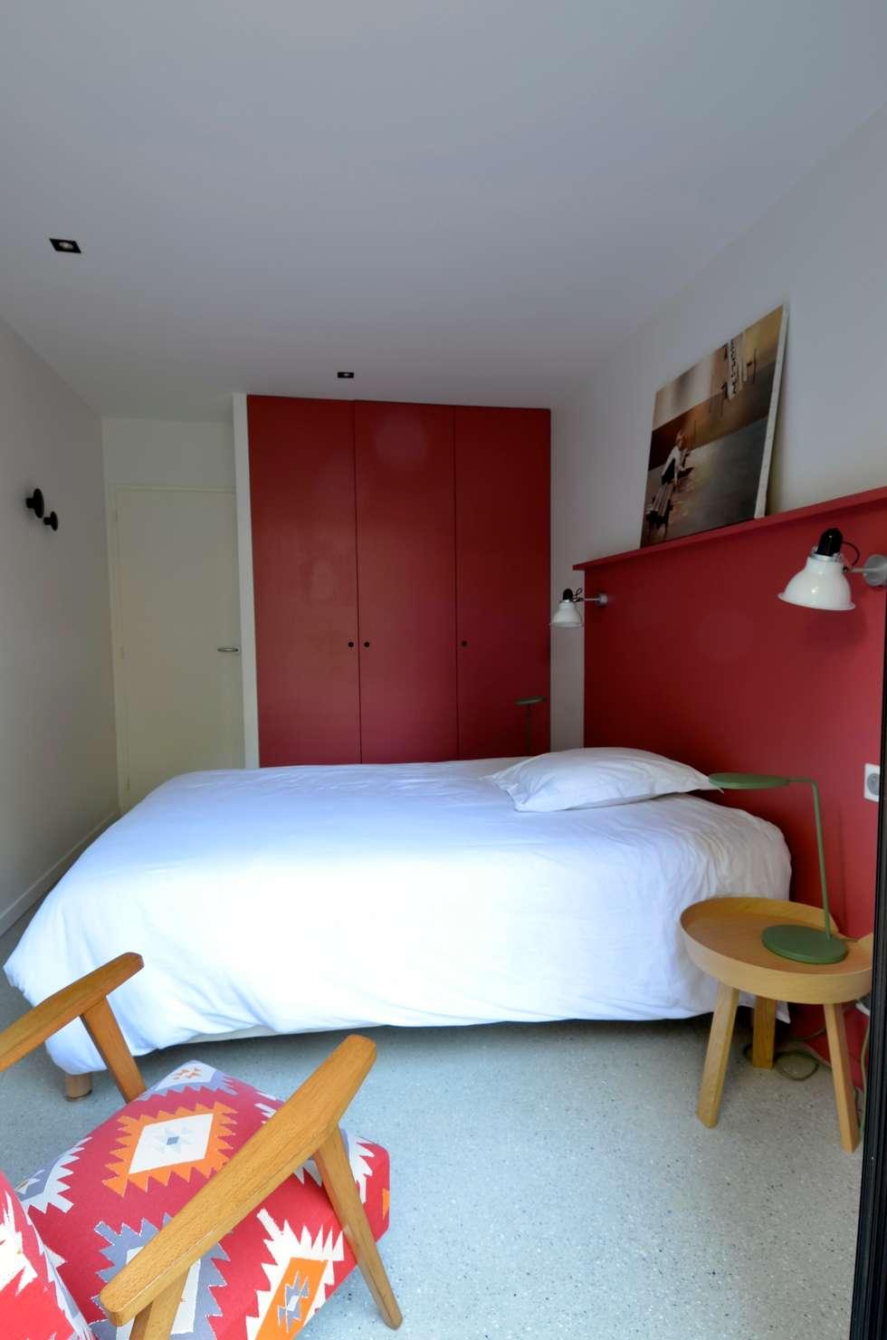 Chambre maison de vacances: Chambre de style de style Minimaliste par cecile kokocinski