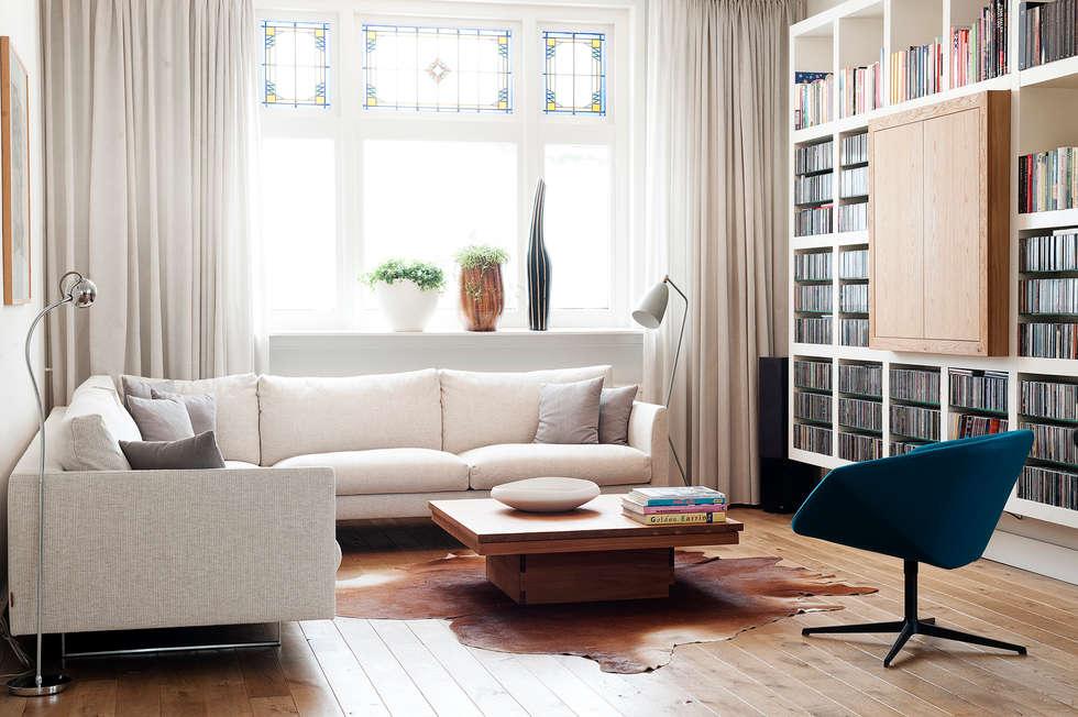 Jaren 30 woonhuis: moderne Woonkamer door Jolanda Knook interieurvormgeving