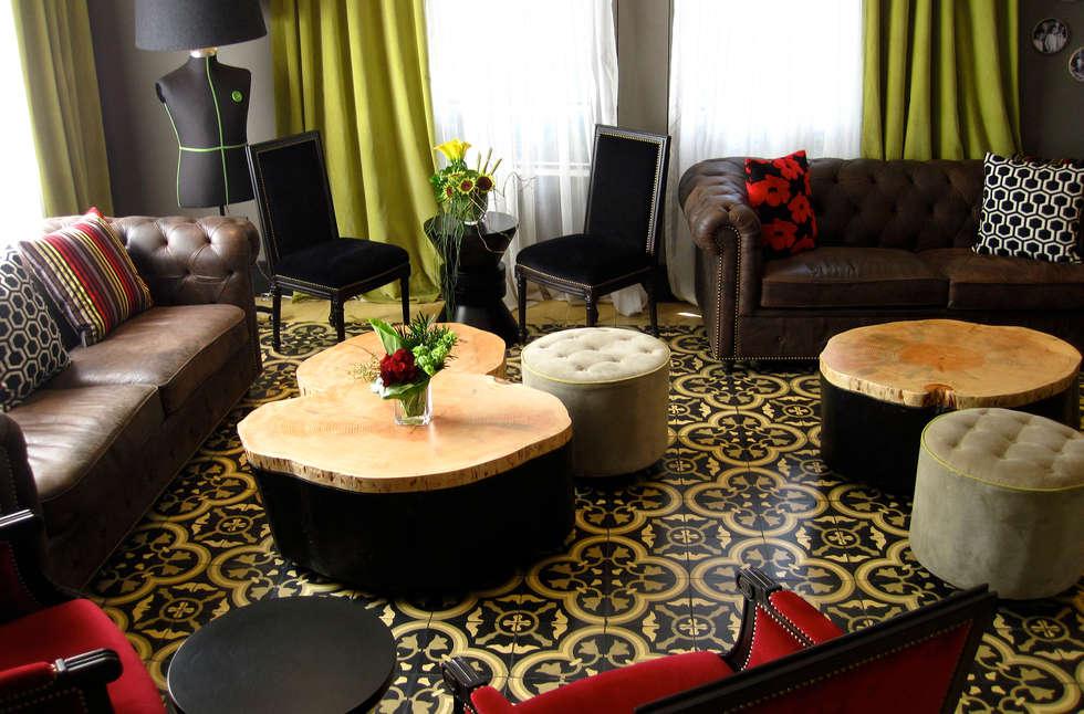 Hotel Brick: Salas de estilo clásico por Un Rayito de Sol