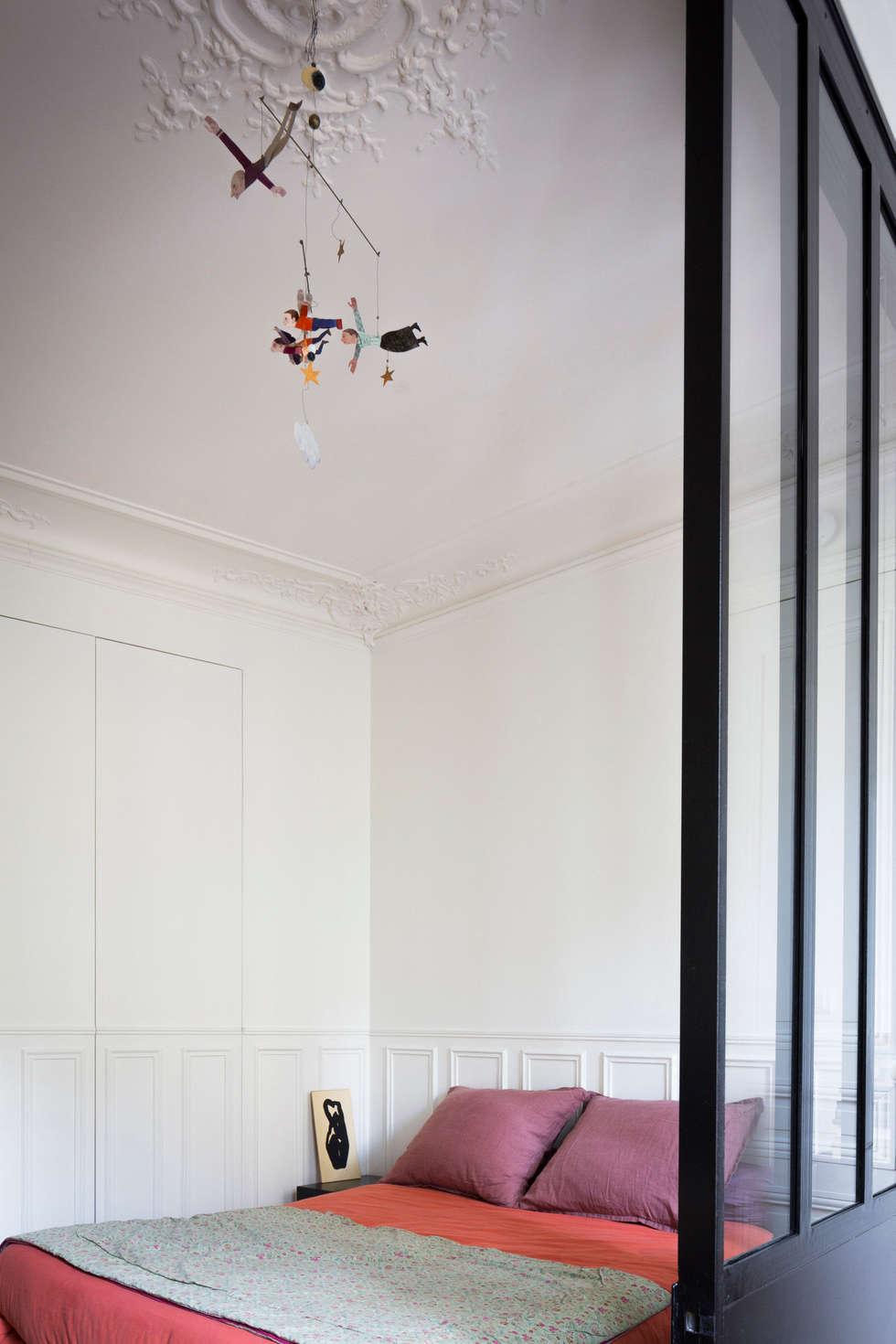 La chambre: Chambre de style de style Moderne par MELANIE LALLEMAND ARCHITECTURES