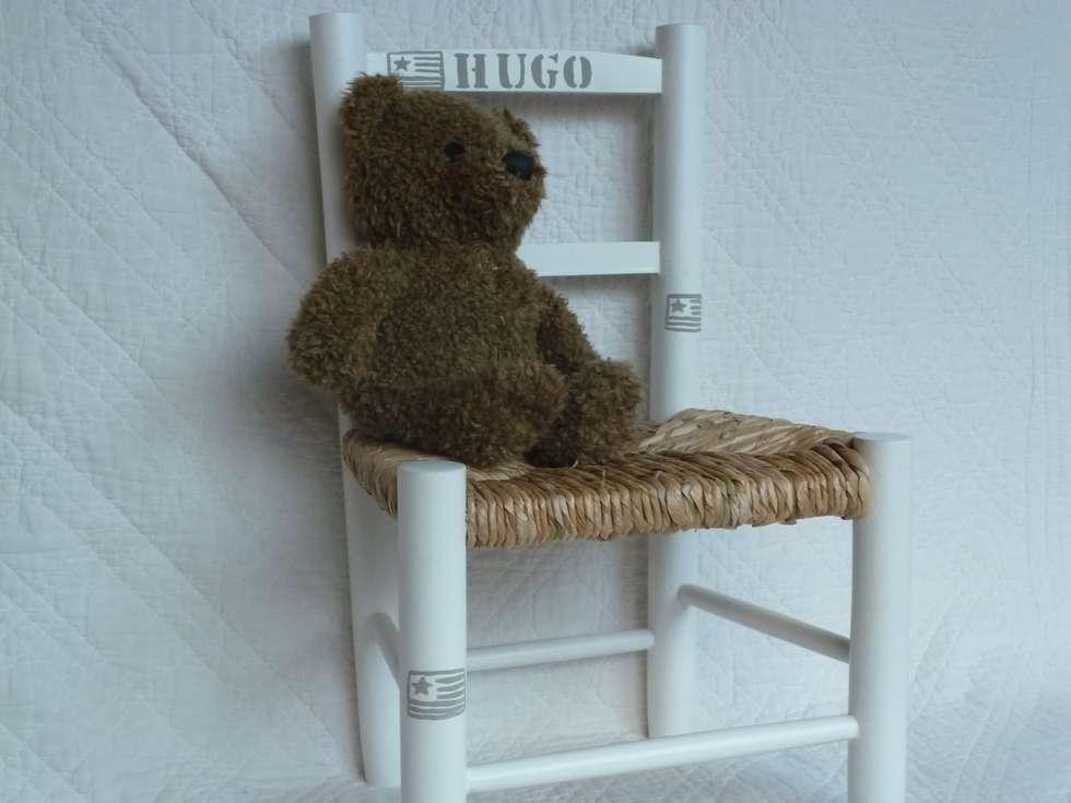 chaise pour enfant personnalisable: Chambre d'enfants de style  par Urlu & Berlu