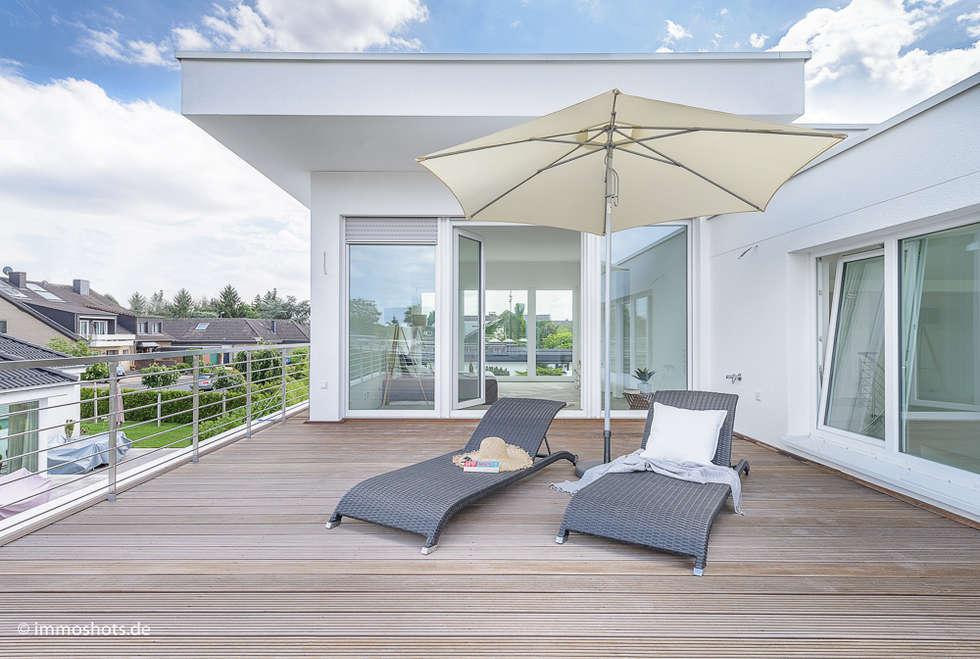 Dachterrasse vor dem Schlafzimmer:  Terrasse von Immotionelles