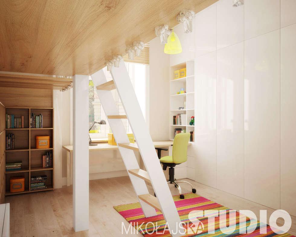 Pokój dzieciecy z antresolą: styl , w kategorii Pokój dziecięcy zaprojektowany przez MIKOŁAJSKAstudio