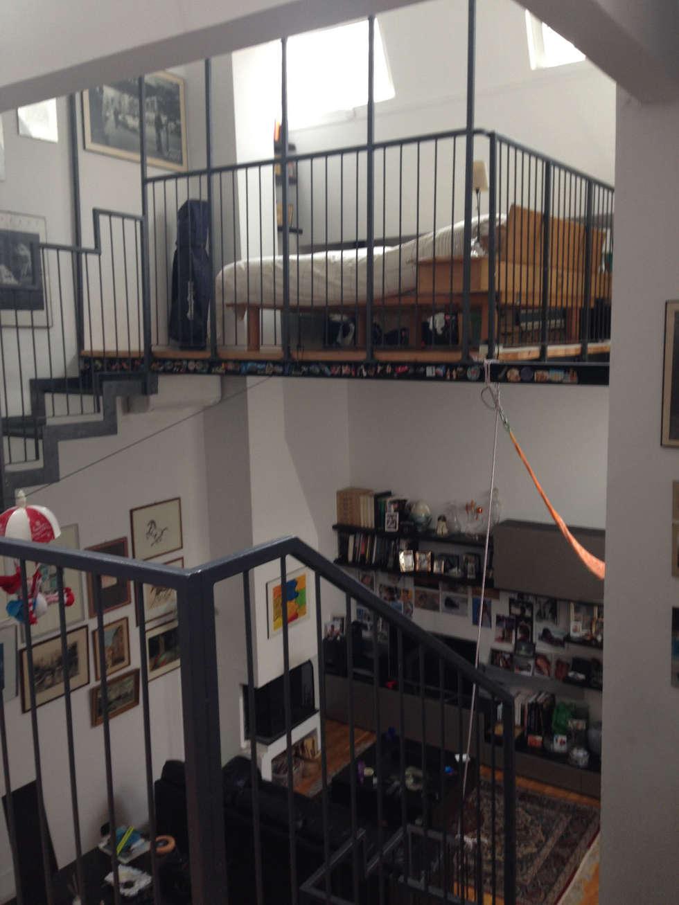 loft residenziale: Soggiorno in stile in stile Moderno di studio architettura terzaghi