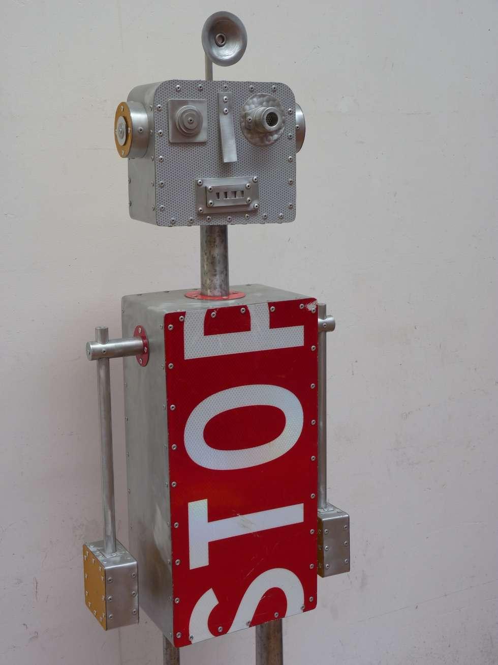 ROBOT STOP: Bureau de style de style eclectique par CYRILLE PLATE