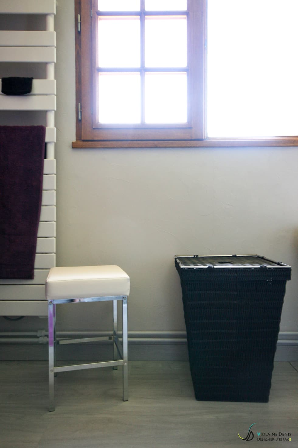 Salle de bain à accessibilité PMR: Salle de bains de style  par Violaine Denis