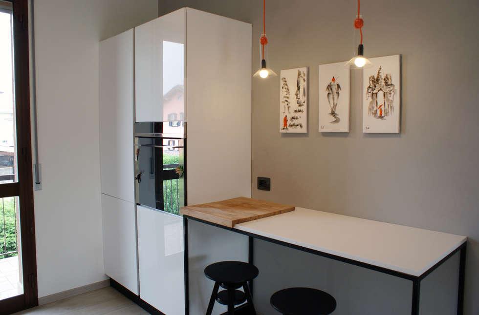 Valentina Cassader, Casa privata a Bergamo, 2014: Cucina in stile in stile Moderno di Valentina Cassader