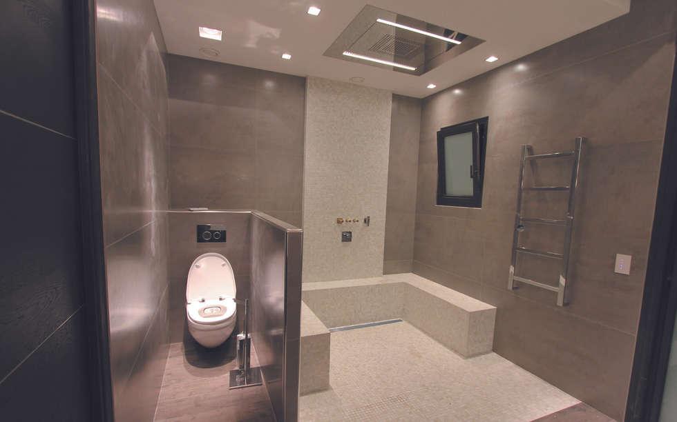 salle de bain : Salle de bains de style  par les bains et les cuisines d'Alexandre