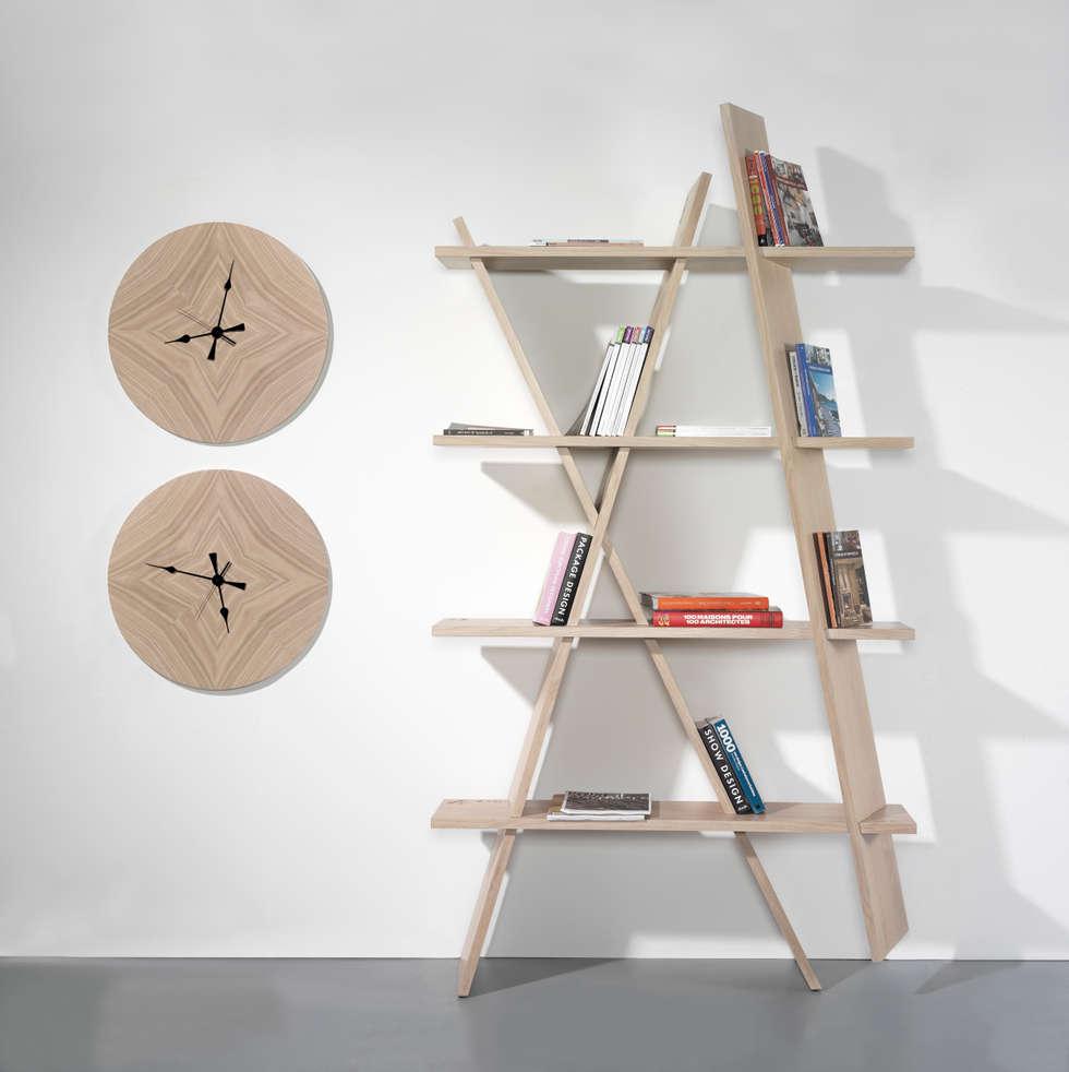 XI: Salon de style de style Moderne par Mon Entrée Design.com