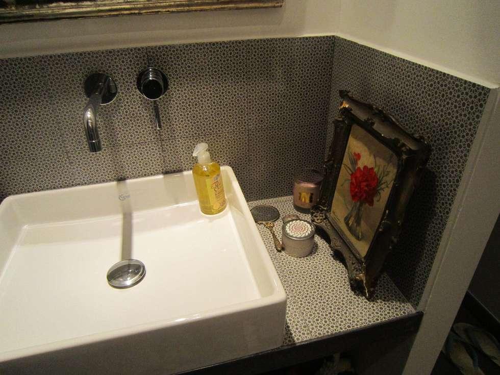 Plan vasque : Salle de bains de style  par Sara Camus Bouanha Architecture Interieure