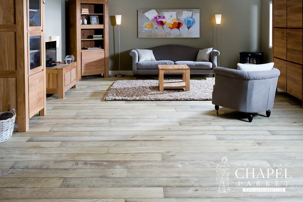 Dębowa podłoga Chapel Minster, kolor Bleached Natural: styl , w kategorii Salon zaprojektowany przez Chapel Parket Polska